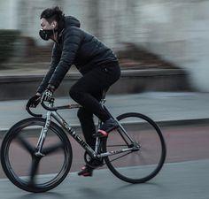 Ride your way through the traffic with Cinelli Urban Cycling, Urban Bike, Track Cycling, Bmx, Classic Road Bike, Bicycle Decor, Bike Messenger, Retro Bike, Bike Photography