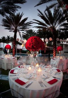 Ideas Red Wedding Decoration And Red Reception Wedding Flowers Wedding Decor Wedding Flower Centerpiece Wedding Flower Arrangement Add Pic Source On Comment And We Will Update It 33 Red And Silver Wed Mod Wedding, Wedding Table, Dream Wedding, Wedding Day, Decor Wedding, Wedding Reception, Wedding Lighting, Event Lighting, Trendy Wedding