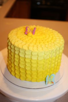 Sunshine Cake - like the frosting design and yellow ombre look
