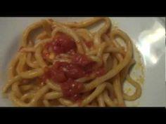 Pici o pinci toscani con sugo all'aglione