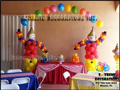 party clown balloon sculpture