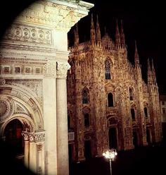 Good night #Milano Buonanotte Milano Foto di Antoine Laguerre #milanodavedere Milano da Vedere