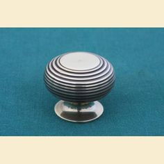Antique Brass Cupboard Knobs Richmond Beehive Large 40mm http://www.priorsrec.co.uk/brass-cupboard-knobs-richmond-beehive/p-3-15-16-43