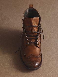 Hattington wingtip boot, rustic old school look, wax leather