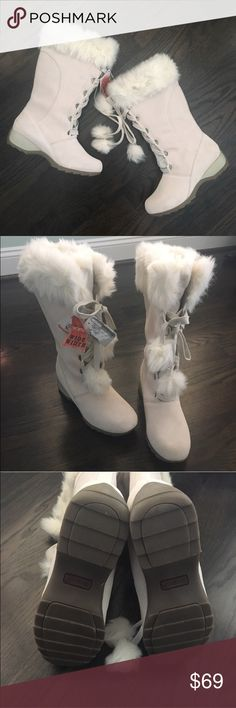 Sporto Winter White Suede & Faux Fur Pom Boots Stylish and functional winter boots by Sporto. They have Thermolite insulation so these really keep your feet warm! Lace up styling with cute pom pom detail. Made of genuine suede and faux fur. Heel is about 2 inches and the shaft is about 12 inches. Box not included. Size 7.5 Wide. Sporto Shoes Winter & Rain Boots