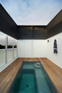 Houses (Alterations & Additions): St Kilda West House by Kennedy Nolan.
