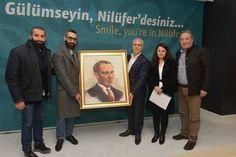 Başarılı tasarımcıdan Bozbey'e Atatürk portresi  http://www.nouvart.net/basarili-tasarimcidan-bozbeye-ataturk-portresi/
