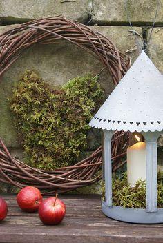 Jules, I need a wreath....Iove the moss
