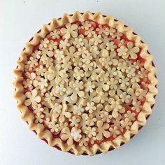 strawbeerry rhubarb flower pie from @foodpornographer