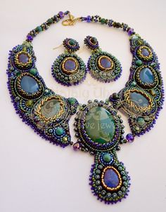 Beautiful embroidered jewelry by Nataly Uhrin | Beads Magic