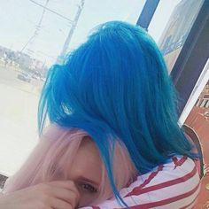 Pretty Hair Color, Hair Color And Cut, Messy Hairstyles, Pretty Hairstyles, Hair Inspo, Hair Inspiration, Blue Hair Aesthetic, Pelo Multicolor, Fairy Hair