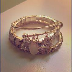 ⚡️3HR LEFT⚡️3-piece bangle set Three stretchy-elastic bracelets. D embellishment. DSW Jewelry Bracelets