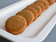 Galletas de Turrón Blando (Thermomix) Chocolate Caramels, Chocolate Cookies, Other Recipes, Sweet Recipes, Cookie Recipes, Dessert Recipes, Biscuits, Spanish Dishes, Decadent Cakes