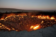 Door to Hell; Derweze, Turkmenistan | 18 Amazing And Surreal Natural Phenomena That Occur On Earth