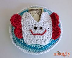 My oldest is almost 5.5 and I've noticed a lot of his friends have started loosing their baby teeth! So to be completely prepared, I whipped up a tooth fairy pillow to hold his tooth and the money the tooth fairy brings when the big day comes And bless his heart, my son already has …