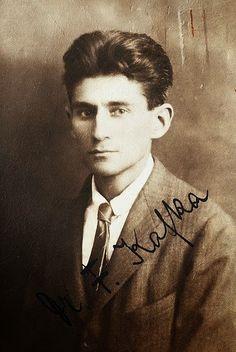Franz Kafka - Si llego a los cuarenta años : Ignoria http://bibliotecaignoria.blogspot.com/2014/01/franz-kafka-si-llego-los-cuarenta-anos.html#.UtGHb8TuKSo