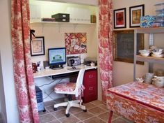 10 Offices Converted From Closets: Lavender Hill Studios used toile curtains that match a work table and rolling chair to pull the entire look of this closet office together. Home Office Design, House Design, Design Design, Toile Curtains, Closet Transformation, Creative Closets, Closet Office, Office Workspace, Do It Yourself Home