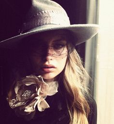 beautiful - whole look actually - the way the flower echoes the band on the hat - perfect