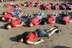 Aylan Kurdi's death recreated by 30 people dressed as Syrian boy on Moroccan…