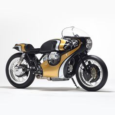 The sleek and sexy 'Twisted Twin' Moto Guzzi cafe racer from Stile Italiano, inspired by the iconic Honda CR750.
