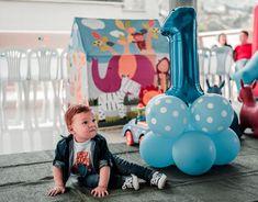 Idee regalo per bambino o bambina di 1 anno Star Decorations, Balloon Decorations, Birthday Decorations, Balloon Arch, Balloons, Foil Curtain, Minion Theme, Anniversary Decorations, Simple Photo