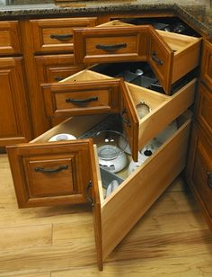 An alternative to a lazy susan! Space Corner Drawers by Blum.