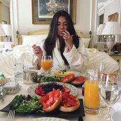 Luxury lifestyle, luxe life и life goals. Brunch, Luxury Lifestyle Women, Boujee Lifestyle, Wealthy Lifestyle, Luxe Life, Sugar Baby, Breakfast In Bed, Birthday Breakfast, Parisian Breakfast