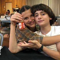 Millie and Noah💘 Stranger Things Have Happened, Cast Stranger Things, Stranger Things Merchandise, Crying Emoji, Duffer Brothers, Starnger Things, Team Starkid, Boys Are Stupid, Will Byers
