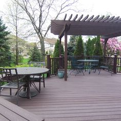 Trex Woodland Brown Wood Stained Deck from DM Outdoor Living Outdoor Rooms, Outdoor Living, Outdoor Decor, Garden Structures, Outdoor Structures, Cheap Pergola, Building A Deck, Pergola Shade, Brown Wood