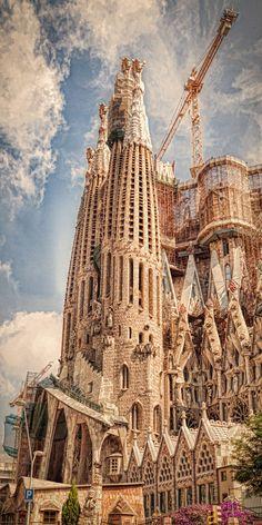 Sagrada Familia, Barcelona (by Erik Brede)