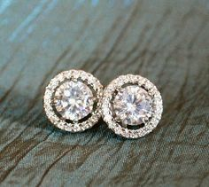 This is a pair of #earrings that the Duchess wears often, whether to a state occasion or while shopping in jeans. They make a great finishing touch to any outfit.