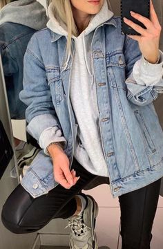 My style Casual woman fashion with faux leather leggings, gray sweatshirt and oversized denim jacket Jean Jacket Hoodie, Jeans And Hoodie, Denim Shirt With Jeans, Gray Jeans, Jean Vest, Jacket Men, Gray Jacket, Oversized Hoodie Outfit, Sweatshirt Outfit