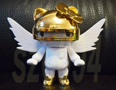 2011 Sanrio Hello Kitty Gold Robot Ki Beta Sri Figure Wing Toys | eBay
