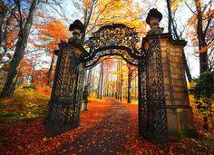 Castle Gate, Warsaw, Poland photo via sabrina