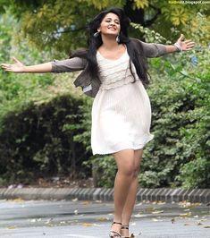 Anushka Shetty in Mirchi 2013