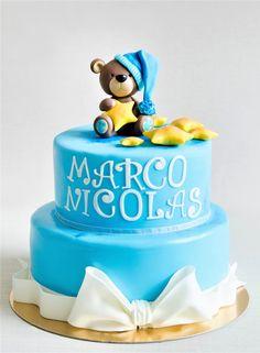 Un ursulet somnoros si inconjurat de stelute sunt detaliile ce decoreaza si coloreaza acest tort pregatit pentru botezul lui Marco Nicolas.  Tu cum ai alege sa iti decoram tortul pentru botezul micutului tau? Pret: 350 ron (3.5 kg). Cake Designs, Birthday Cake, Desserts, Ideas, Food, Cake Templates, Tailgate Desserts, Birthday Cakes, Meal