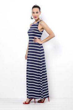 af7c02e6ef4c -Φόρεμα maxi ριγέ αμάνικο -Πολύ καλή εφαρμογή -Χωρίς σκίσιμο στο πλάι