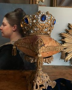 Crowns, Vintage, Women, Fashion, Head Bands, Deko, Moda, Fashion Styles, Fashion Illustrations