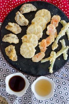 First and Only Carb Cycling Diet - Learn how to make authentic Japanese vegetable tempura with 2 dipping sauces! Japanese Diet for Fat Burning - Discover the World's First and Only Carb Cycling Diet That INSTANTLY Flips ON Your Body's Fat-Burning Switch Sushi Recipes, Asian Recipes, Appetizer Recipes, Cooking Recipes, Katsu Recipes, Recipies, Veggie Tempura, Tempura Vegetables, Shrimp Tempura