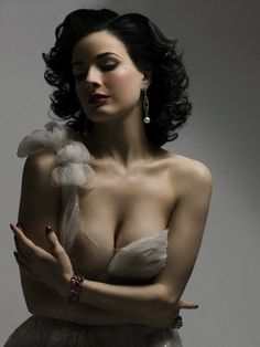 """aclockworkfetish: """" diva-von-teese: """" My all-time favourite photos of the Queen of Burlesque ~ """"Dita Von Teese by Don Flood for Playboy Germany, December """""""