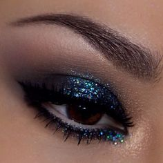vegas_nay's Holiday Party Eyes Makeup Inspo, Makeup Inspiration, Makeup Tips, Hair Makeup, Makeup Ideas, Design Inspiration, Pretty Makeup, Makeup Looks, Awesome Makeup