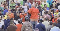El hecho se registró en el balcón de prensa, tras la irrupción de grupos violentos al Palacio Federal Osmary Hernández, corresponsal de CNN en Español, rel