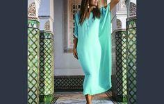 καφτανι μακρυ ριχτο φορεμα εθνικ ράπτικη για αρχάριες ,πατρόν, οδηγίες DIY Elizabeth Hurley, Marrakech, Instagram Worthy, Every Woman, Beachwear, Eye Candy, Sexy Women, Cover Up, Cold Shoulder Dress