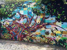 Beco do Batman #becodobatman #grafitti #urbanartist #urbanity #tree #art #street #photographer #photo #paolladetails #bestintravel #bestintravallers #doyoutravel #traveldeeper #instatravel #picoftheday #photooftheday #oimundo