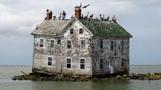 Old House On An Island - abandoned house. Old Abandoned Buildings, Abandoned Mansions, Old Buildings, Abandoned Places, Photo Post Mortem, Beautiful Buildings, Beautiful Places, Beautiful Ruins, Beautiful Homes