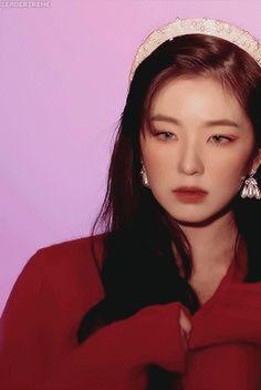 Edgy Makeup, Red Velvet Irene, Cute Girl Face, Kpop Girls, Asian Beauty, Beauty Women, Makeup Looks, Girl Group, Kpop Aesthetic