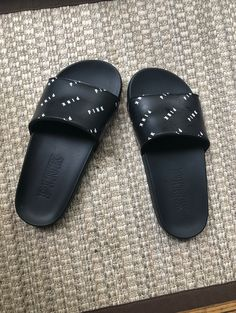 VS Pink slides. Worn once. In great condition from smoke free home. I ship the same day! Vs Pink Slides, Pink Sandals, Pool Slides, Victoria Secret, Smoke Free, Ship, Fashion, Moda, Fashion Styles