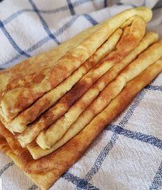 lavkarbomedhanne - Lchf mat uten sukker, gluten eller raske karbohydrater Hot Dog Buns, Hot Dogs, Lchf, Keto, Bacon, Food And Drink, Bread, Breakfast, Healthy