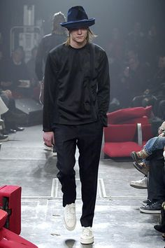 Comme des Garçons Fall 2006 Menswear Fashion Show