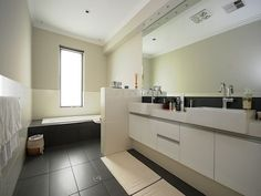 Modern bathroom design with recessed bath using tiles - Bathroom Photo 395958